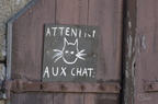 ATTENTION AUX CHATS !!! :-)